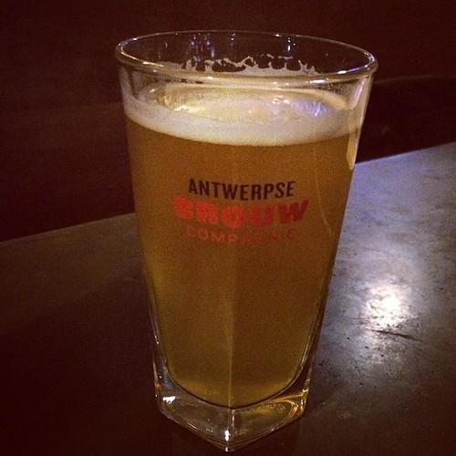 Enjoyed Sief Bier at @LittleBearLA, a Belgian pale ale based on a traditional Antwerpen recipe #craftbeer