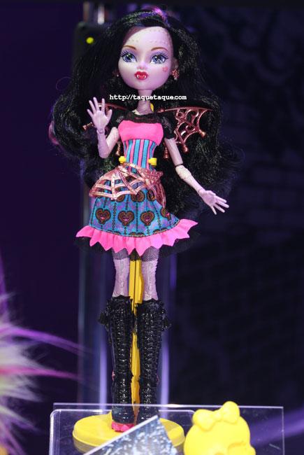 NY Toy Fair 2014 - MH Freaky Fusion: Draculaura & Robecca