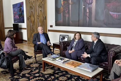 Secretario General de la OEA se reúne con representantes de la Asociación Interamericana de Defensorías Públicas