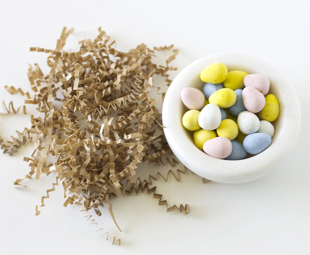 DIY Easter Origami Bird's Nest | Click through for the tutorial and free printable!