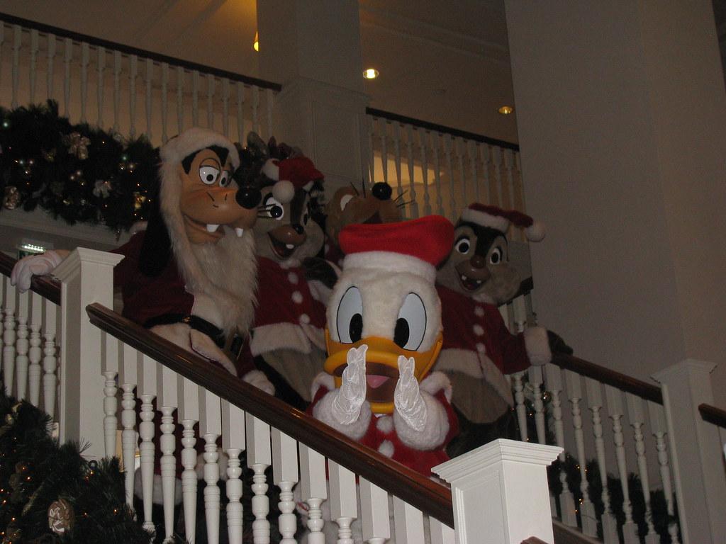 Un séjour pour la Noël à Disneyland et au Royaume d'Arendelle.... - Page 8 13925966945_8ce31f92d6_b