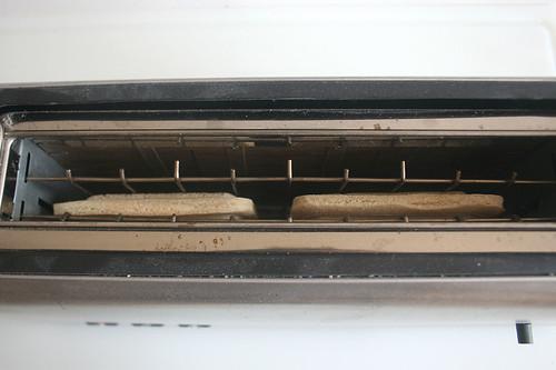 05 - Hochland Toast it! - Im Toaster