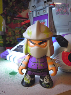 "Kidrobot :: ""TEENAGE MUTANT NINJA TURTLES"" - 'OOZE ACTION' GLOW IN THE DARK SHREDDER vi (( 2014 ))"