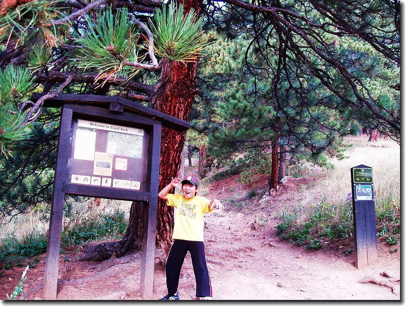 ROYAL_ARCH_TRAILHEAD