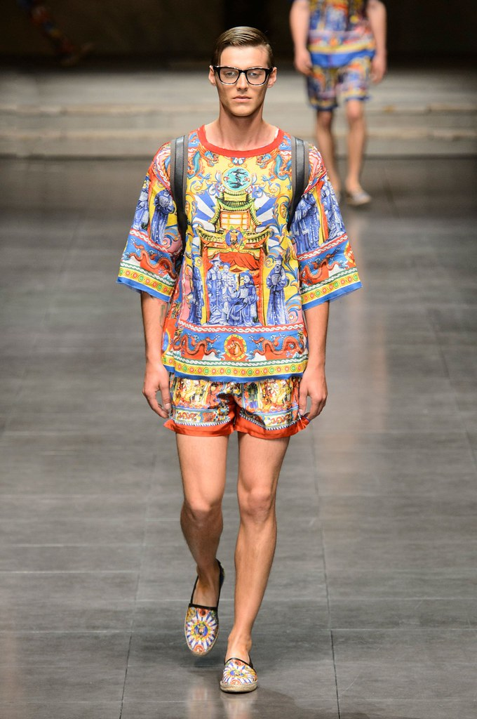 Robbie Wadge3736_SS16 Milan Dolce & Gabbana(fashionising.com)