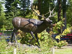 Memphis Zoo 08-31-2016 - Elk Statue 7