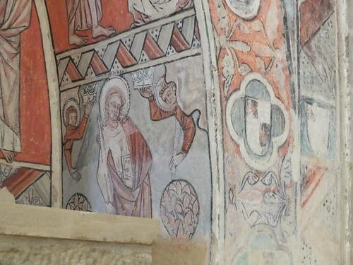 Iglesia de San Miguel de Foces - Detalle de arcosolio en el lado de la epístola 4