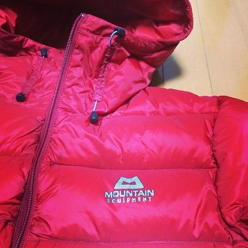 ME. 人生初のアウトドアブランドのダウンジャケット。一ヶ月検討して、これに決定。