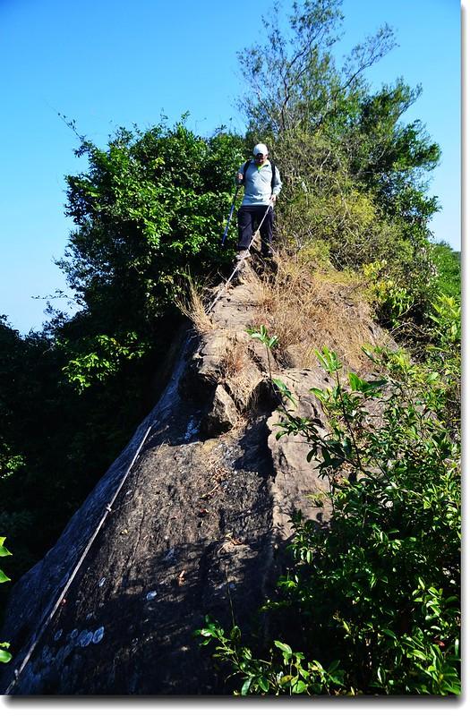 裸岩瘦稜 2
