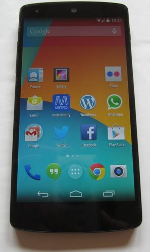 Nexus 5 phone without case