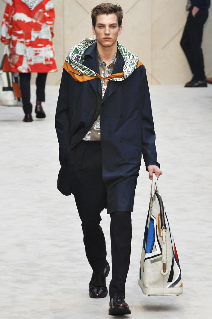 FW14 London Burberry Prorsum006(VOGUE)