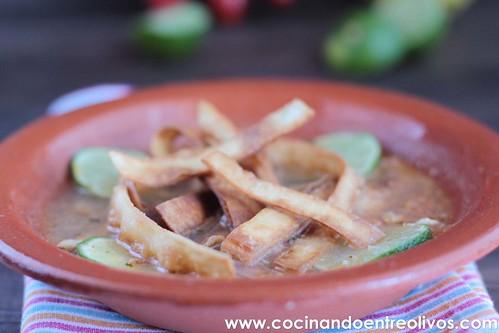 Sopa yucateca de lima www.cocinandoentreolivos (1)