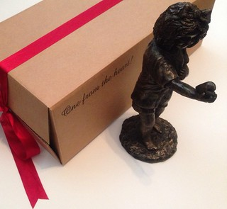 One from the heart by Emo Raphiel Astoria (c) Cold cast bronze figure of girl holding heart Ltd edition of 10 presented with a beautiful gift box Available at: urbanartgallery-00 (ebay)