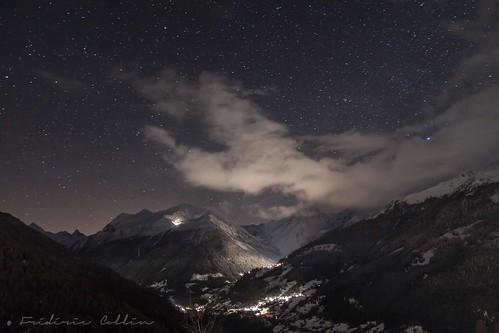 sky snow ski alps night clouds alpes dark stars switzerland long exposure suisse exposition ciel le neige nuit wallis slope étoiles valais piste anniviers longue saintluc