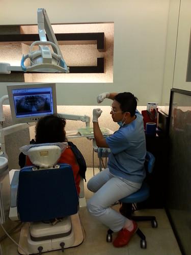 媽媽去黃經理牙醫診所看診3