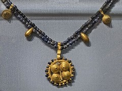 Necklace of gold and lapis lazuli recovered from the royal cemetery of Ur Itaq 2550-2450 BCE