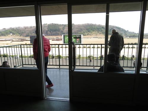 佐賀競馬場の第三投票所付近のバルコニー