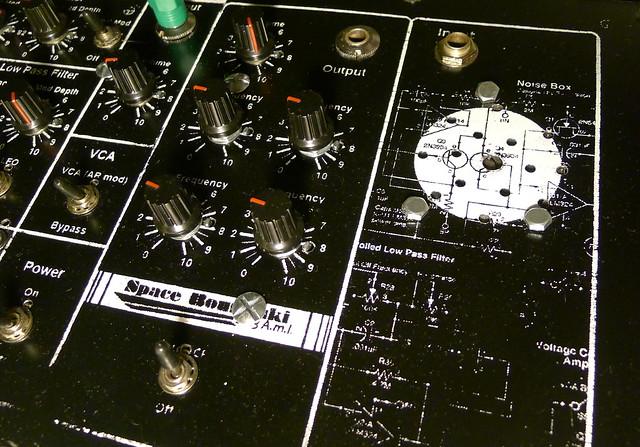 drone oscillatorz + micro-amp