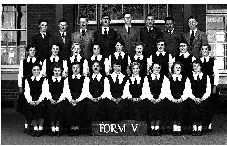 a176954820b ... Castlemaine High School 1953 Form 5