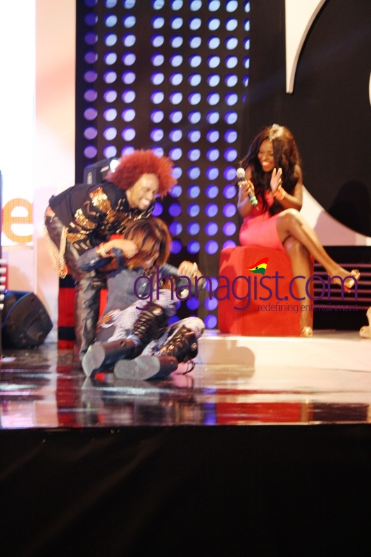 Joselyn Dumas fall on stage at Channel O's O News Live in Ghana