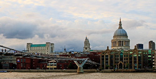 St Paul's Cathedral - London (Canon EOS 7D & Sigma 35mm F1.4 DG Prime Lens)