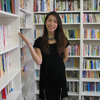 図書も2000冊が無料で借り放題!日本語の英語教材、アサインメントの書き方、ホームステイ英語の本もありますよ。