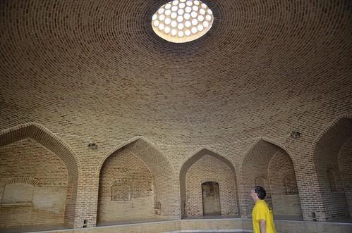 Visitando un caravasar en Irán