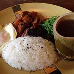 部落咖啡館提供的簡餐。