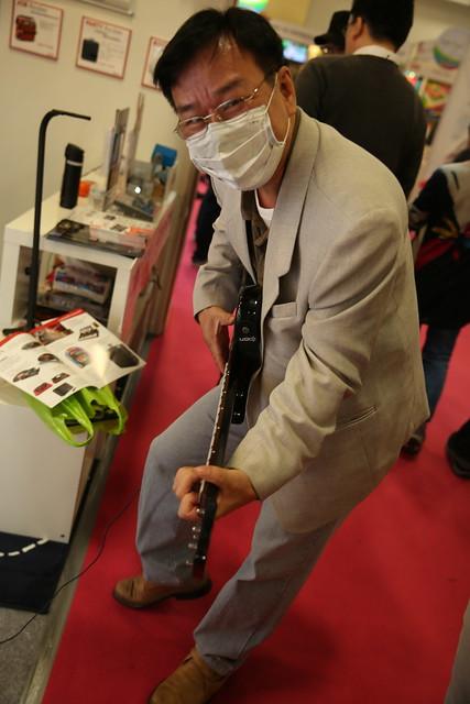 阿輝逛資訊展 – 看看有趣東西 (3) 有趣音樂周邊 / 精緻傳輸線 / 鋰鐵行動電源 @3C 達人廖阿輝