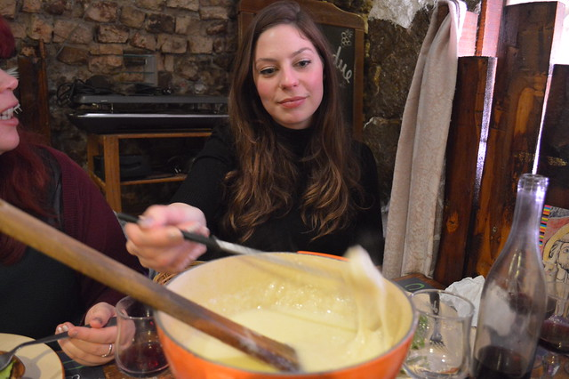 a picture of cheese fondue