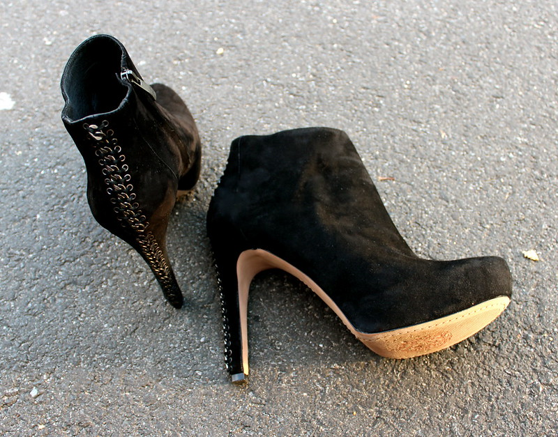 black+suede+booties