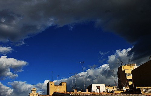 Ventana de cielo by mbmayorka