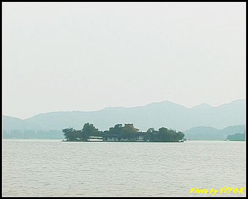 杭州 西湖 (其他景點) - 207 (白堤上的孤山 望向湖心亭)