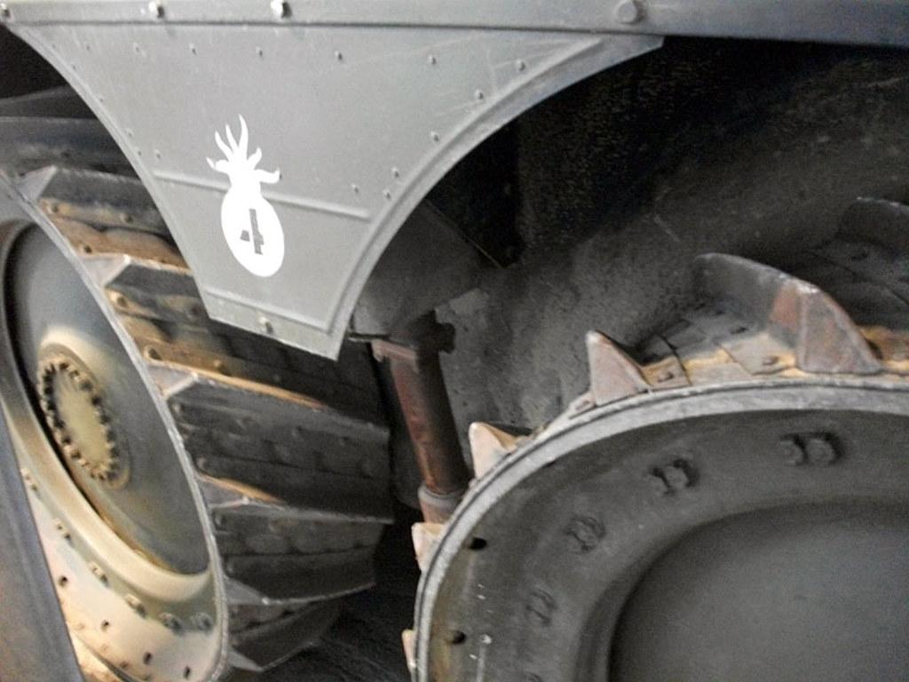 Ouvre-boîte EBR-10 Wheel reconnaissance vehicule [Hobbyboss 1/35] 12461026945_9387a1e57a_b