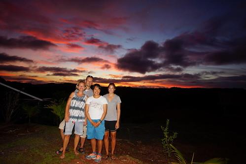 sunset clouds wolken menschen bluehour palau micronesia p021 mesekelat