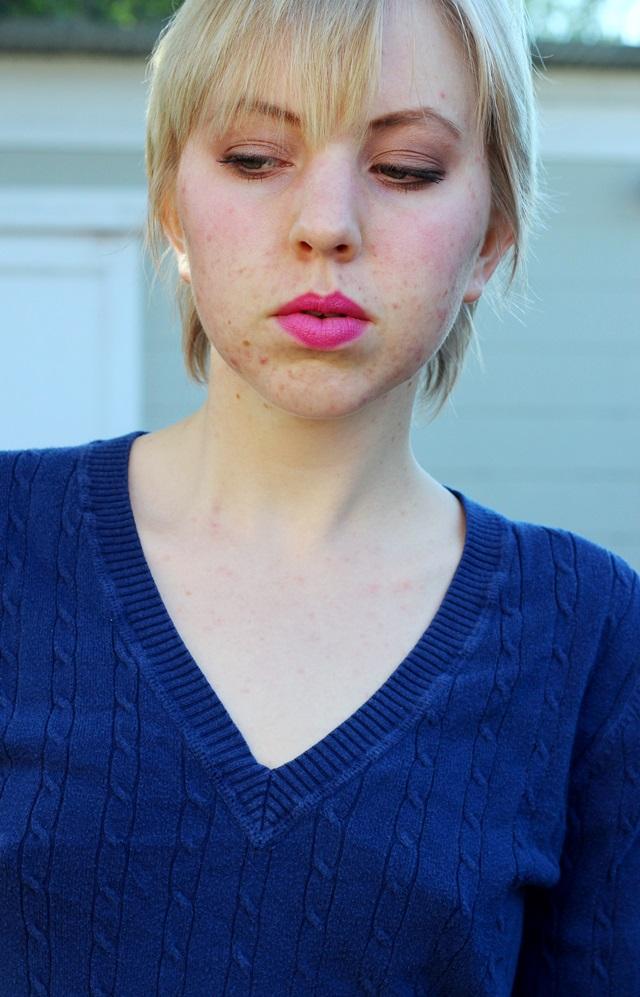 navy blue sweater, neutral makeup #fotd