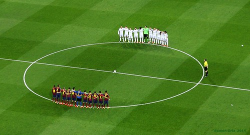 Santiago Bernabeu. El Clasico Real Madrid-Barcelona, 2014: minuto de silencio por la muerte de Adolfo Suárez / Minute of silence to honor Adolfo Suarez, spanish prime minister 1976-81