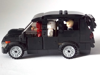 LEGO Minifigure scale Car - 7-wide SUV - seats 7 minifigs 3
