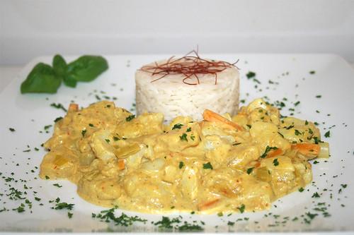 50 - Fisch-Ananas-Curry in Kokosmilch - Seitenansicht / Fish pineapple curry in coconut milk - Side view