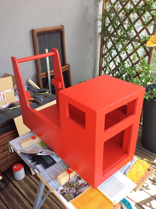 Camion après une bonne couche de peinture rouge