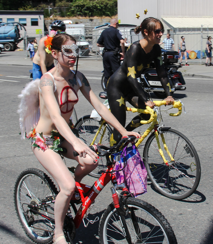 Nude cyclists | Fremont Solstice Parade 2010, Seattle, WA | Fiver13 | Flickr
