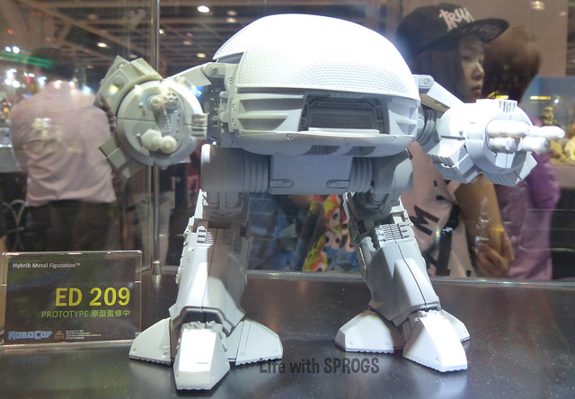 Herocross Ed-209 prototype