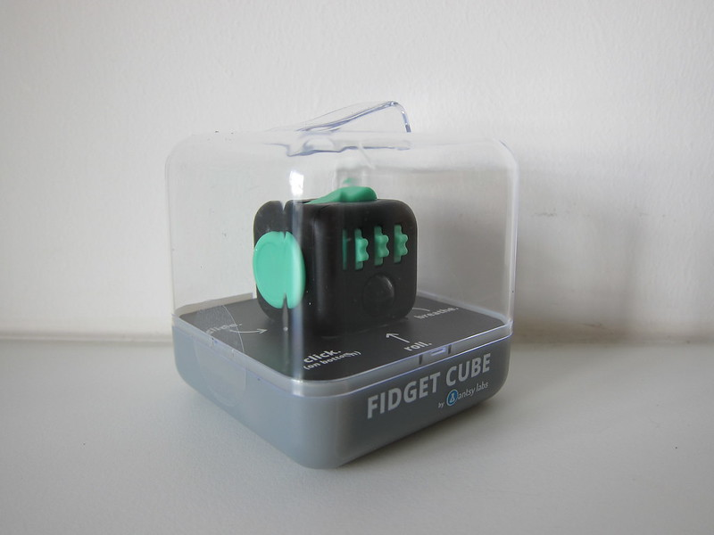 Fidget Cube - Green/Black - Box