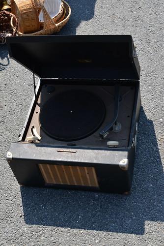 Tourne-disque avec haut-parleur intégré