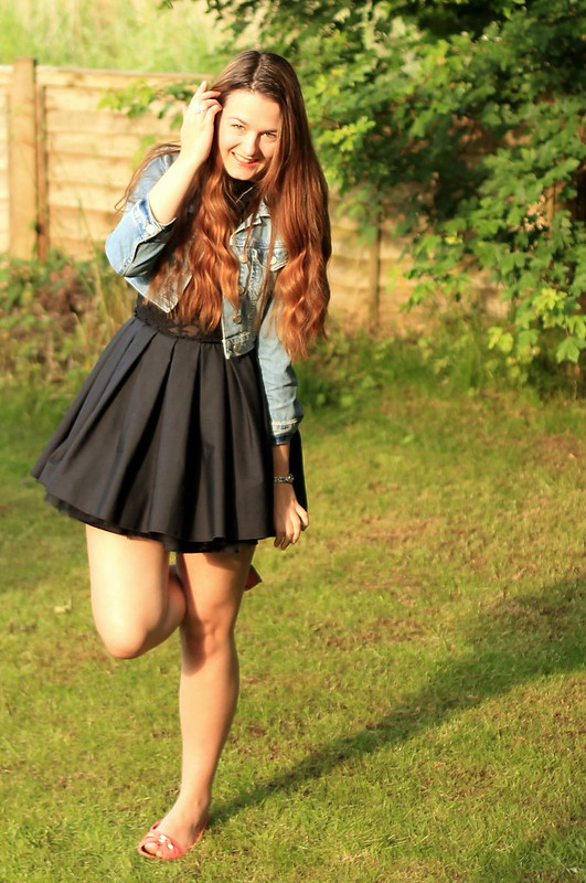 OOTD, outfit of the day, denim jacket, jones + jones dress, flats