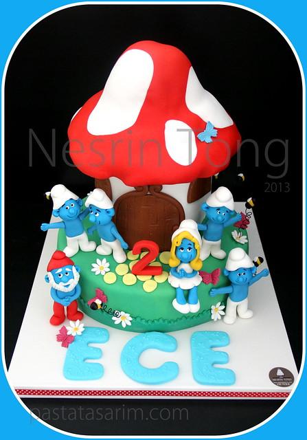 smurfs cake - ece