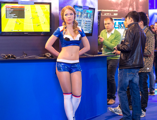 Gamers girlfriend at Igromir 2013