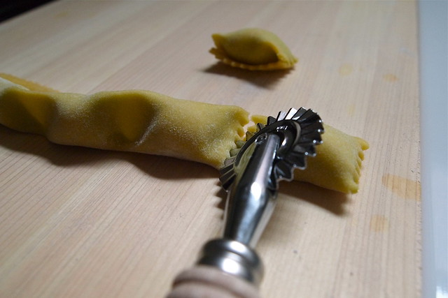 Cutting agnolotti