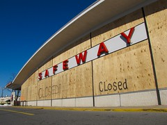 Abandoned Safeway store, December 27, 2009