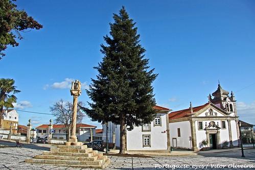 Pelourinho e Igreja Matriz de Murça - Portugal